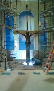 crucifixion-being-installed